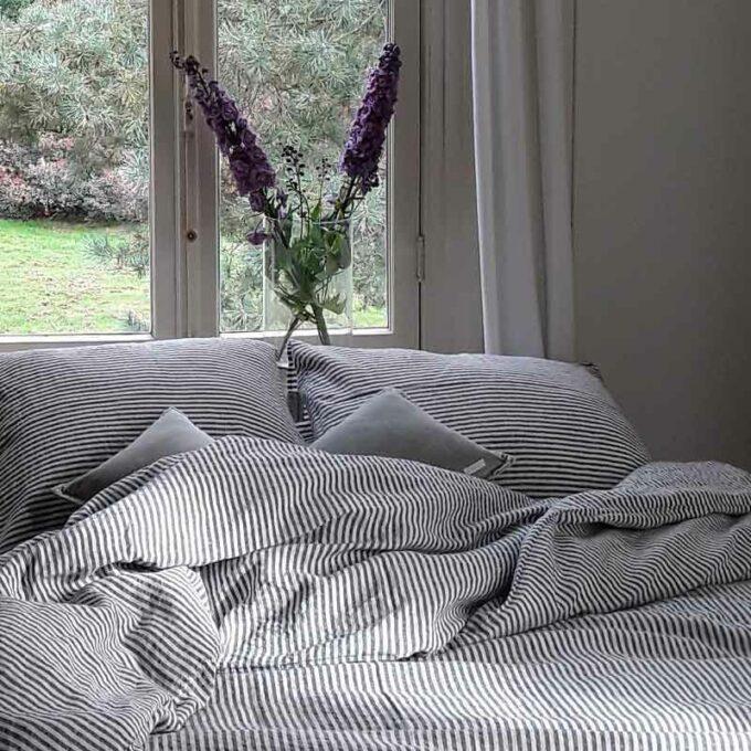 gestreept linnen dekbedovertrek Stripe Charcoal - merk Casa Homefashion - online te koop bij Casa Comodo