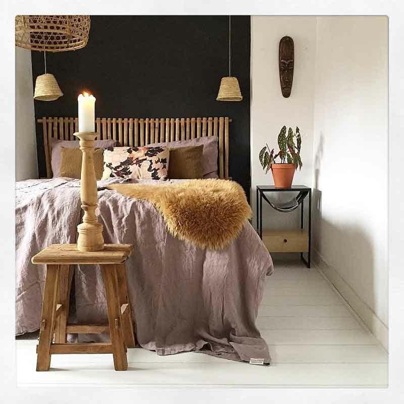 Vintage Rose is een lavendelkleurig linnen dekbedovertrek van het merk Casa Homefashion