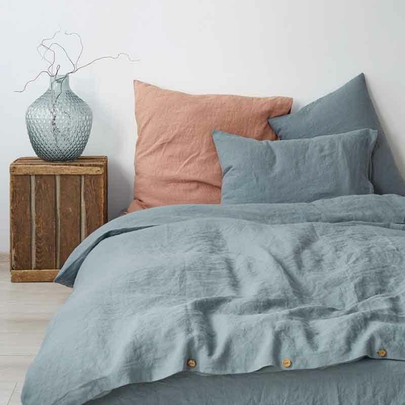 Linnen dekbedovertrek Blue Fog - mistig blauw - merk Linen Tales - online te koop bij Casa Comodo
