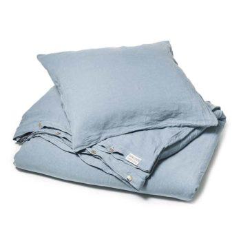 a6f102be6703 Dit is een blauw linnen dekbedovertrek, Morning Blue. Het is stonewashed  linnen. online ...