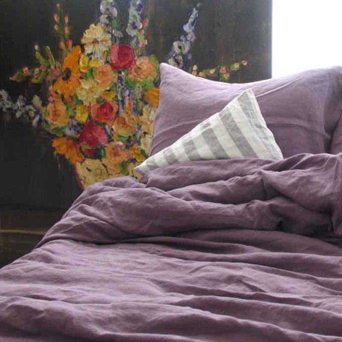 Donkerpaars stonewashed linnen dekbedovertrek Black Purle van het merk Casa Homefashion - online te koop bij Casa Comodo