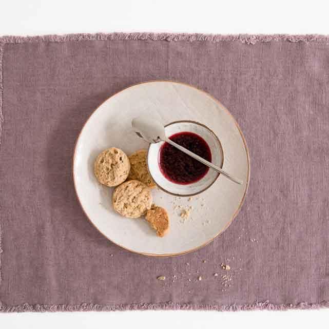 linnen-tafelkleed-Ashes of Roses - Lavendel - Merk Linen Tales - webshop Casa Comodo