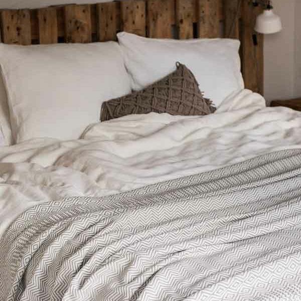 Linnen dekbedovertrek Off White - chique exclusief beddengoed - online te koop bij Casa Comodo